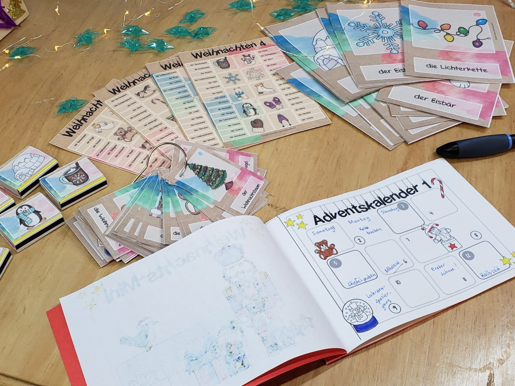Im Weihnachtsheftchen können Schüler die Tage bis Weihnachten abzählen, Termine eintragen, Wochentage notieren und vieles mehr.